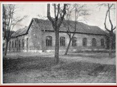 Az első iskolaépület 1910
