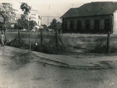 Az iskola hátsó frontja 1960-as évek